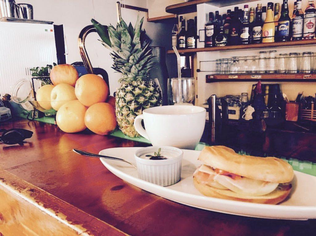 朝食、朝ごはん、モーニング