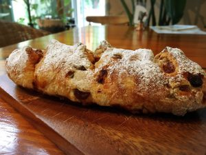 アップルシナモンレーズン パン 石窯パン